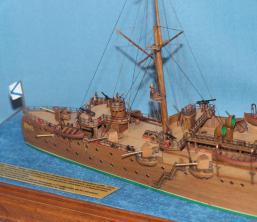 Готовая модель корабля - крейсер Аврора 14.