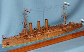 Готовая модель крейсера Аврора 30.