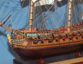 Модель из дерева корабля Ингерманланд.