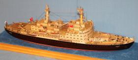 модель ледокола Ленин ручной работы 4