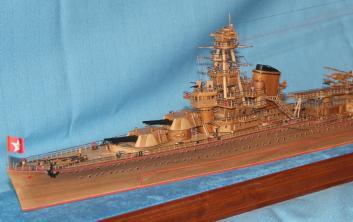 Готовая модель ручной работы крейсера Киров.