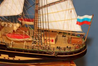 Модель учебного парусника Крузенштерн. Оборудование