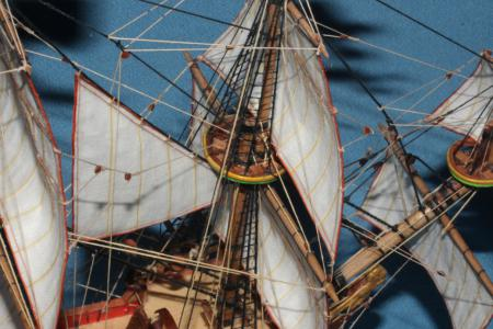 фрагмент модели корабля Орёл - флаги