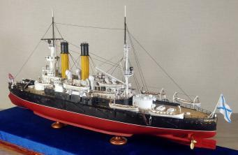 Модель броненосца Адмирал Ушаков