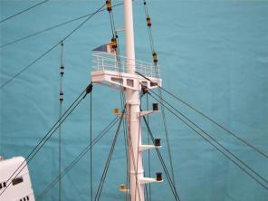 Коллекционная модель судна Михаил Ломоносов 9