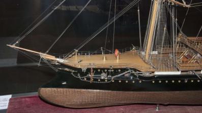 Модель корабля Адмирал Корнилов ручной работы