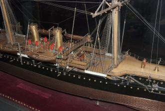 Модель крейсера Адмирал Корнилов ручной работы