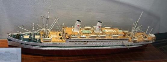 Модель корабля Берлин ручной работы (Адмирал Нахимов). Лабё