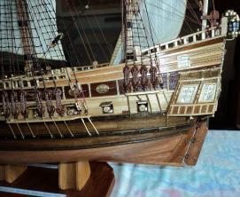 Авторская модель фрегата Петр и Павел. борт