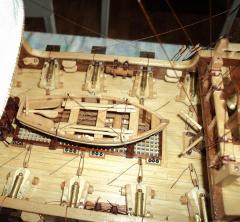 Модель фрегата Петр и Павел ручной работы, шкафут