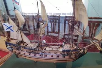 модель корабля Полтава