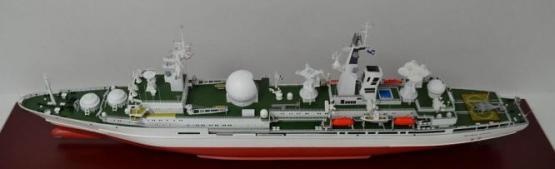 модель корабля  Маршал Крылов ручной работы